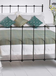 Paris Satin Black Metal Bed Frame 4'0 Small Double