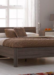 Melbourne Oak Wooden Bed Frame 4'6 Double BROWN