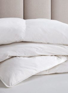 Flaxby Washable Duck Feather & Down Duvet 6'0 Super king