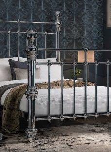 Quinn SK Chrome Metal Bed (Sprung Slats) 6'0 Super king Silver