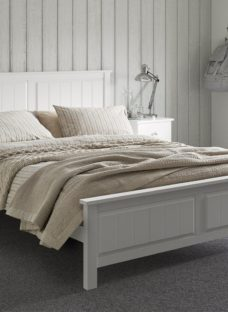 Woodbridge D Wooden Bed Frame White (Solid) 4'6 Double