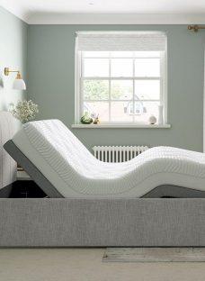 Lucia Sleepmotion 400i Adjustable Upholstered Bed Frame 3'0 Single SILVER