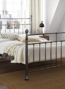 Davis Metal Bed Frame 4'6 Double